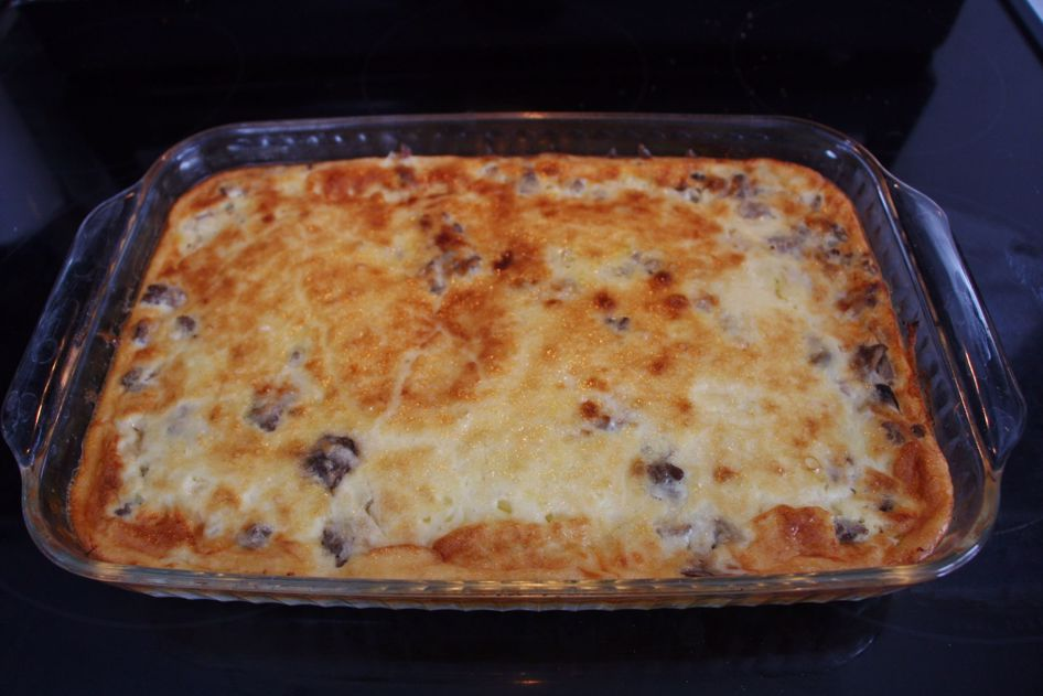 Christmas is just 2 weeks away! Here is an easy cheesy hamburger quiche recipe!